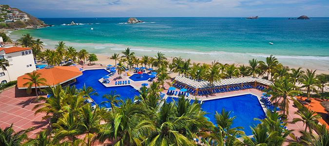 BARCELO IXTAPA POOL AND BEACH