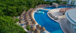 GRAND SIRENIS RIVIERA MAYA POOL AREA